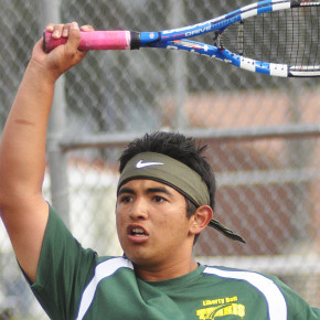 Tennis team racquets up for districts