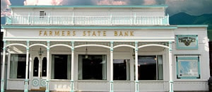 Farmers State Bank in Winthrop