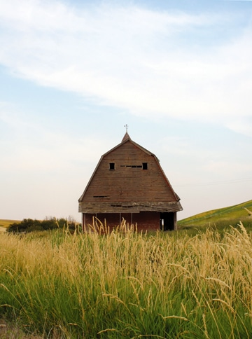 Photographer Marcy Stamper captured one of Eastern Washington's iconic barns.