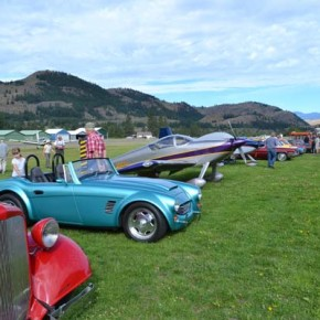 isitors strolled among a shiny line of collectible cars and aeroplanes. Photo by Laurelle Walsh