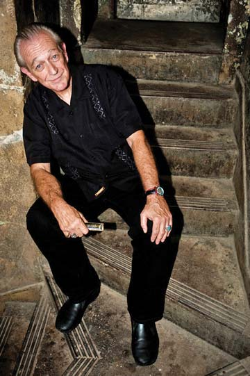 Charlie Musselwhite. Photo by © Michael Weintrob