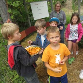 Classroom in Bloom kicks off year with farmers market