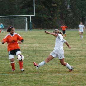 Lady Lions roll up Entiat, Bridgeport, Omak