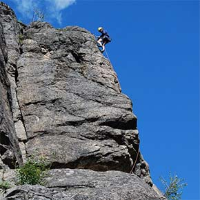 Climber injured in fall at Mazama's Fun Rock area