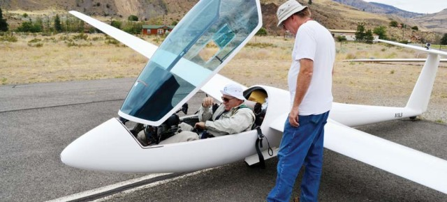Wings over Twisp: Sawtooth Soaring hosts the first Methow Valley glider competition