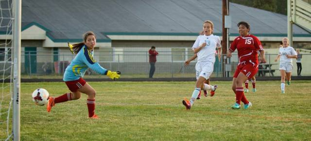 Thornton-White leads Lady Lions 2-1 over Bears