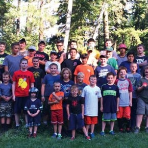 Players flock to football potluck